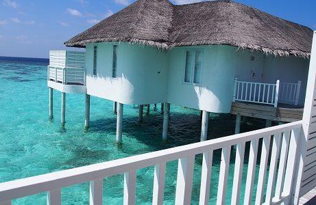 モルディブ「センターラ・グランド・アイランド・リゾート & スパ」の水上ヴィラのお部屋を紹介|ハネムーン旅行記