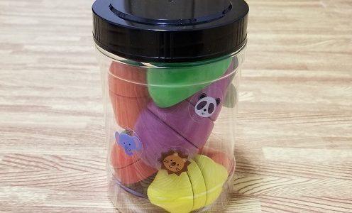 小さなおもちゃの収納に「味付け海苔の容器」が便利!