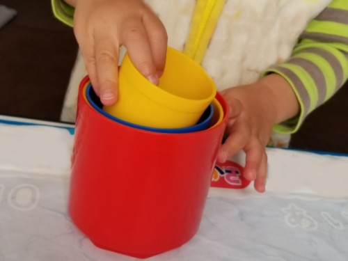 DWE中古教材プレイアロングのカップのおもちゃ代替品ボーネルンド