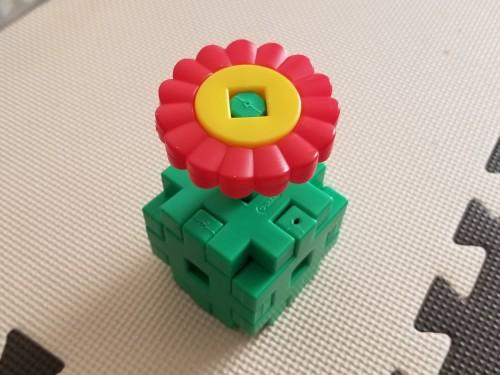 DWEプレイアロング・花のおもちゃ手作り代替品(学研のニューブロック)