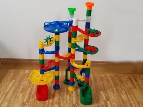【レビュー】くもんの知育おもちゃ『NEW くみくみスロープ』は身に付く力がいっぱい!たっぷり100はプレゼントにも◎