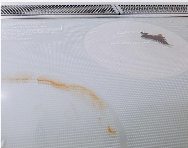 IHクッキングヒーターの焦げ汚れを重曹とアルミホイルで掃除